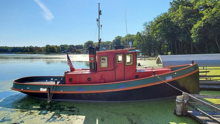 1945 Russel Brother Ville Class Tug Photo 1 of 13