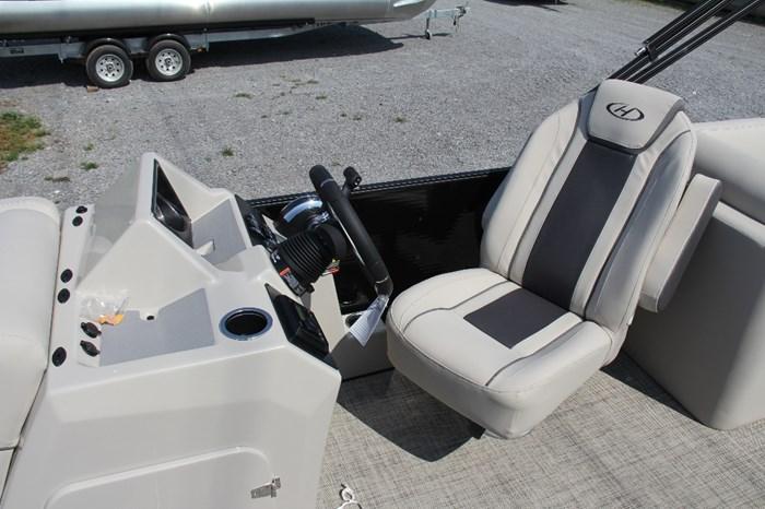 2022 Harris Cruiser 230 Photo 6 of 9