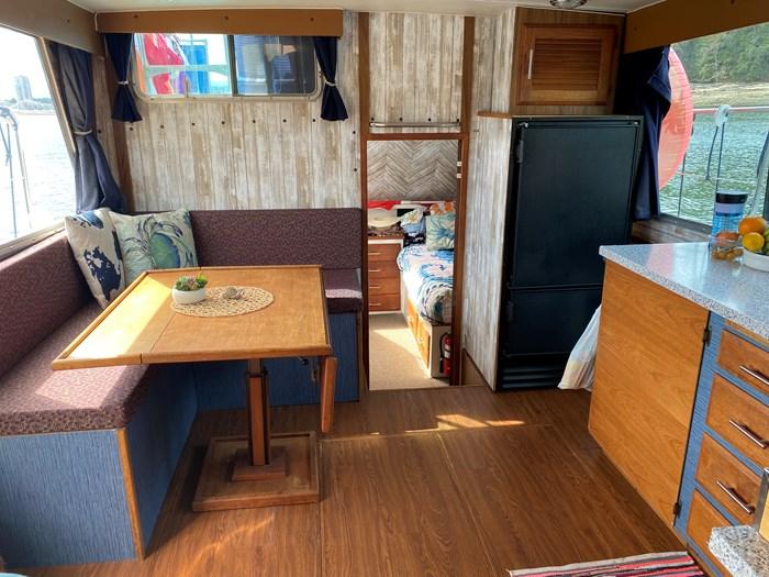 1978 Tollycraft Tri cabin Photo 11 of 18