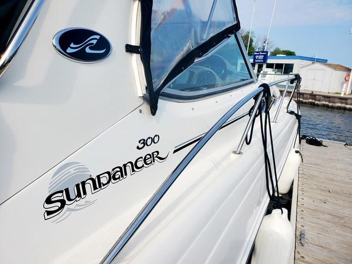 2005 Sea Ray 300 Sundancer Photo 4 of 34