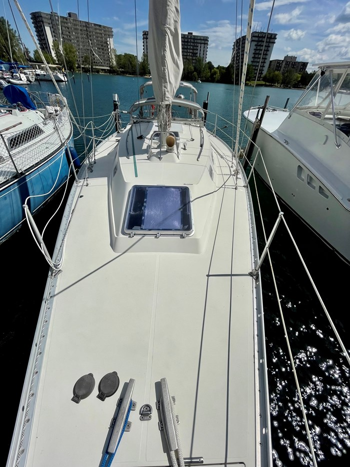 1980 CS Yachts 36 T 36 Traditional Photo 2 of 29