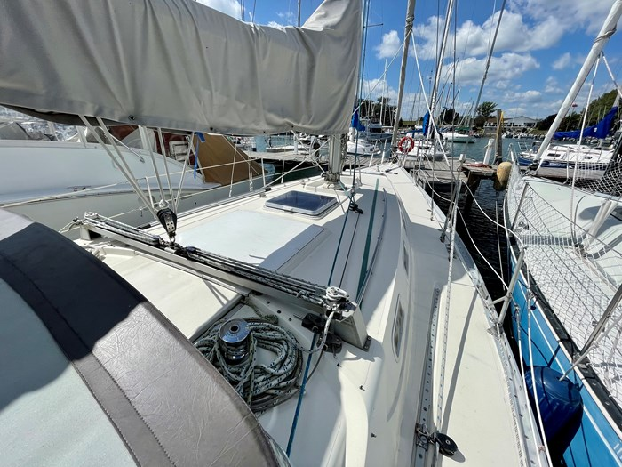 1980 CS Yachts 36 T 36 Traditional Photo 4 of 29