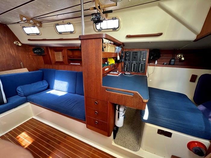 1980 CS Yachts 36 T 36 Traditional Photo 8 of 29