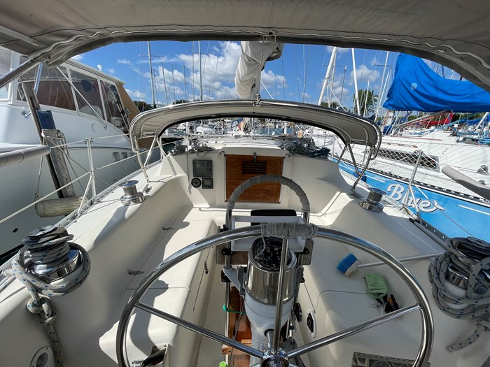 1980 CS Yachts 36 T 36 Traditional Photo 22 of 29