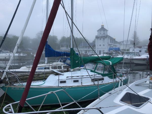 1974 Sabre Yachts 28 MK 1 Photo 3 sur 17
