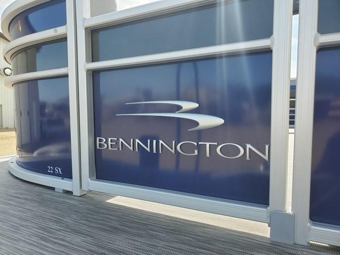 2022 Bennington 22SSBX 'Swingback' Tri-Toon Photo 23 sur 23