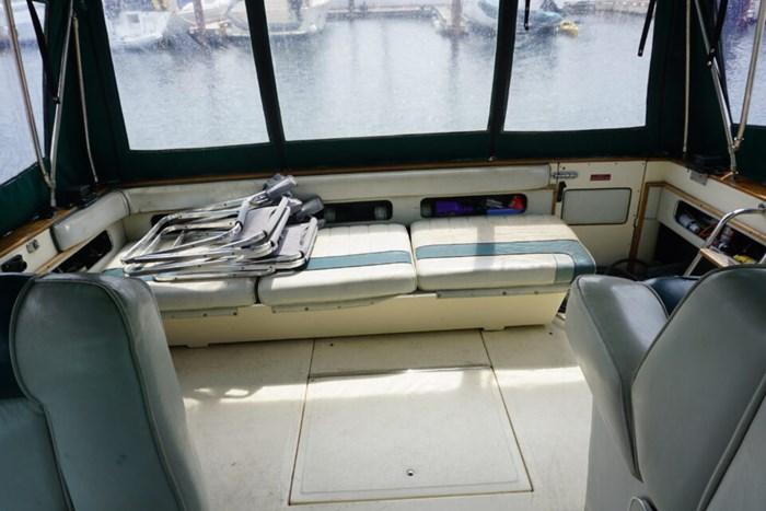 1987 Sea Ray 340 Photo 6 of 10