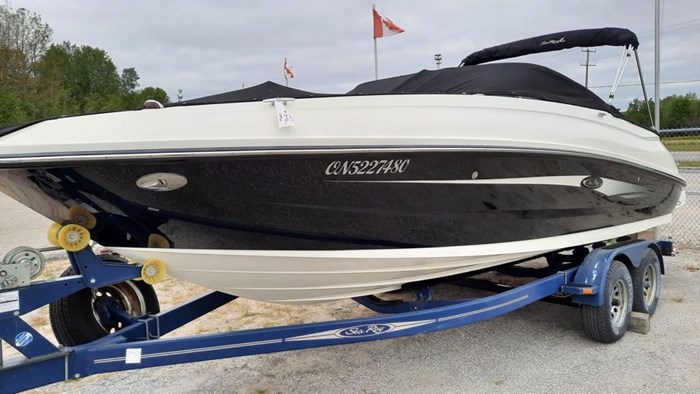 2014 Sea Ray 240 Sundeck Outboard Photo 1 of 14