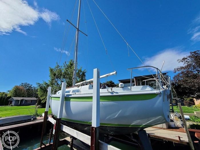 1976 Ericson Yachts 27 Photo 15 of 20