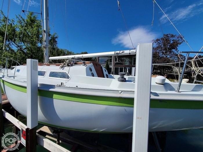 1976 Ericson Yachts 27 Photo 16 of 20