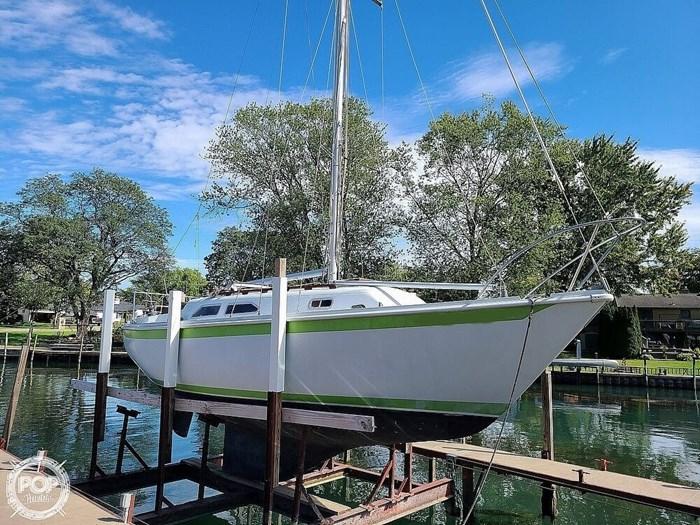 1976 Ericson Yachts 27 Photo 7 of 20