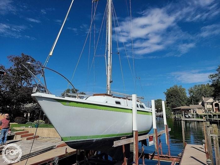 1976 Ericson Yachts 27 Photo 8 of 20