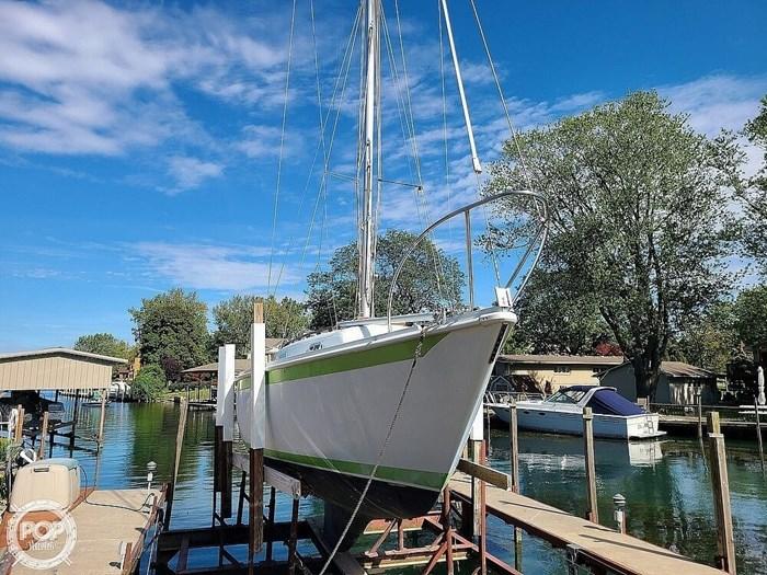 1976 Ericson Yachts 27 Photo 14 of 20