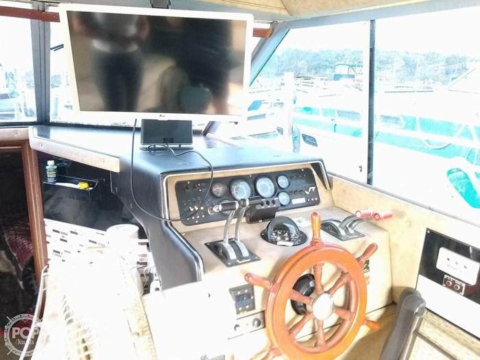 1981 Sea Ray 310 Vanguard Sedan Bridge Photo 18 of 20