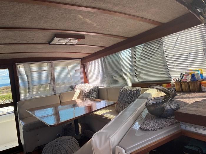 1984 Bayliner 3870 Photo 2 of 43