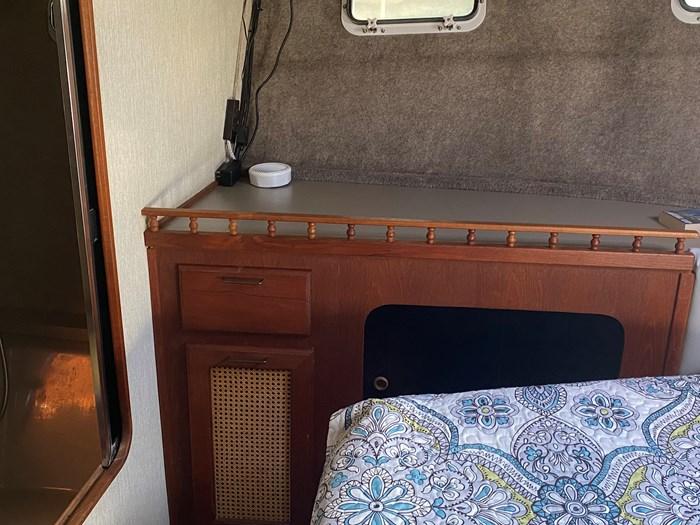 1984 Bayliner 3870 Photo 43 of 43