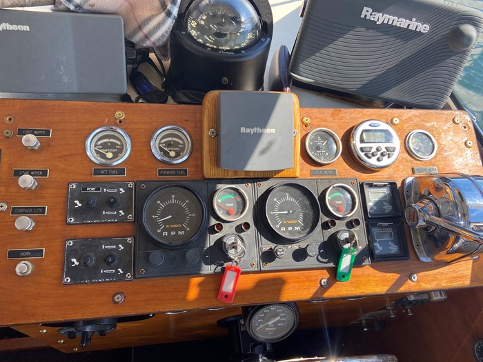 1972 Fjord Diplomat 30 with trailer Photo 19 of 26