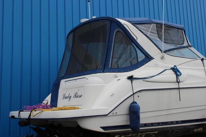 2004 BAYLINER 305 SB Photo 4 of 16