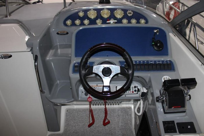 2004 BAYLINER 305 SB Photo 8 of 16