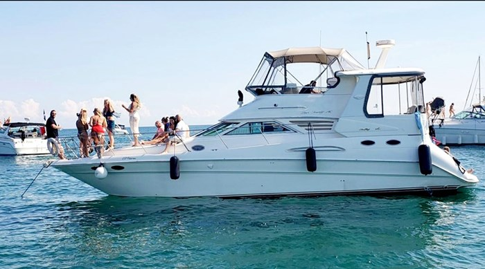 1997 Sea Ray 420 Aft Cabin Photo 1 of 19
