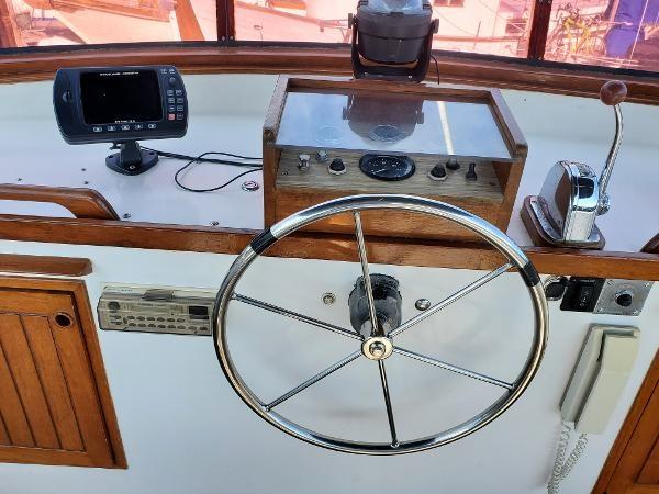 1983 Cheoy Lee 35 Trawler Photo 23 sur 50