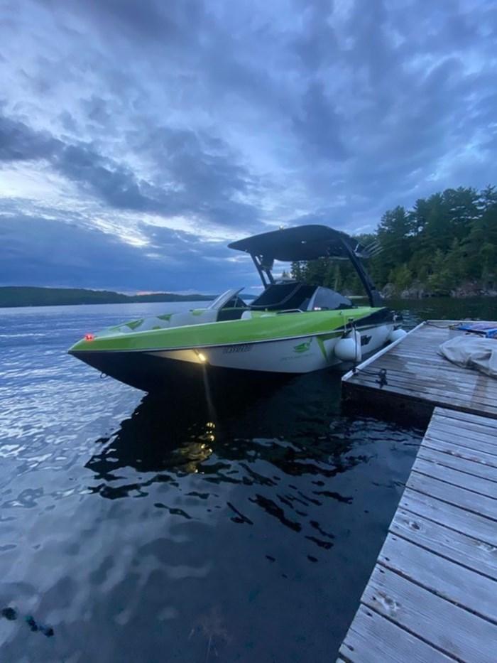2017 Malibu 22 VLX Photo 1 of 11
