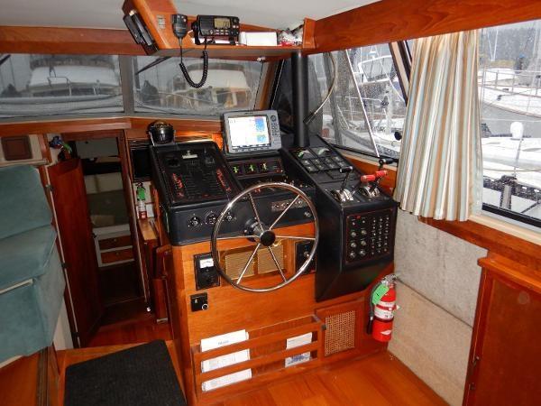 1986 Bayliner 3870 Photo 2 sur 59