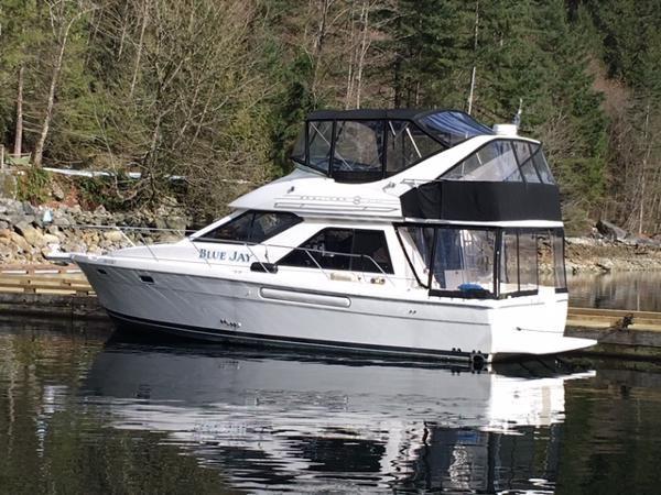 1996 Bayliner 3788 Command Bridge Motoryacht Photo 1 of 22