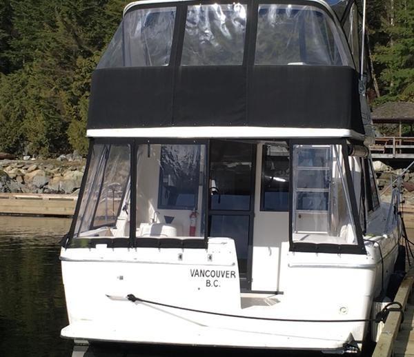 1996 Bayliner 3788 Command Bridge Motoryacht Photo 4 of 22