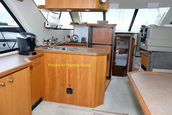 1996 Bayliner 3788 Command Bridge Motoryacht Photo 9 of 22