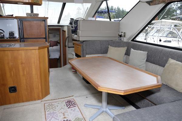 1996 Bayliner 3788 Command Bridge Motoryacht Photo 12 of 22