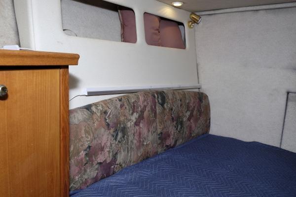 1996 Bayliner 3788 Command Bridge Motoryacht Photo 14 of 22