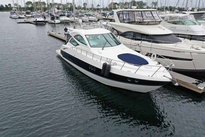 2012 Cruisers Yachts 540 Sport Coupe Photo 2 of 61