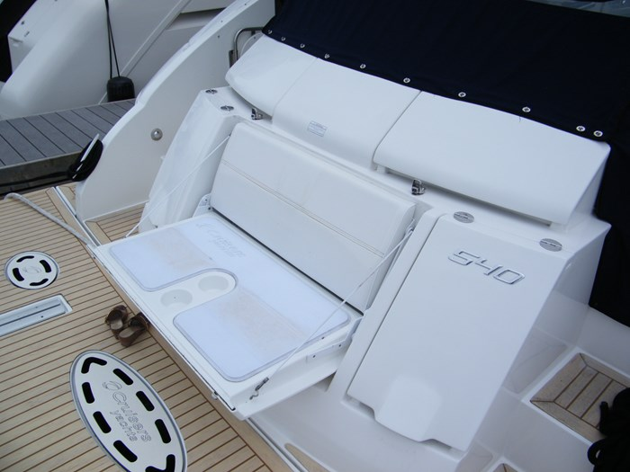 2012 Cruisers Yachts 540 Sport Coupe Photo 7 of 61