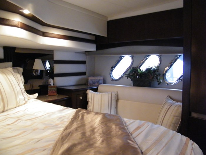 2012 Cruisers Yachts 540 Sport Coupe Photo 8 of 61