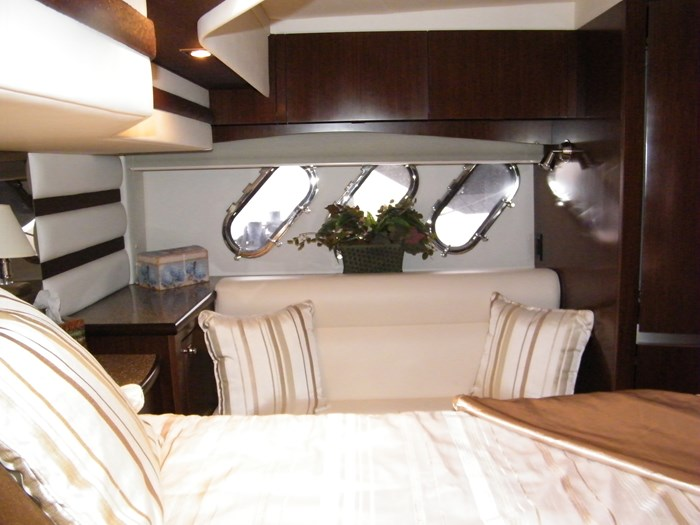 2012 Cruisers Yachts 540 Sport Coupe Photo 11 of 61