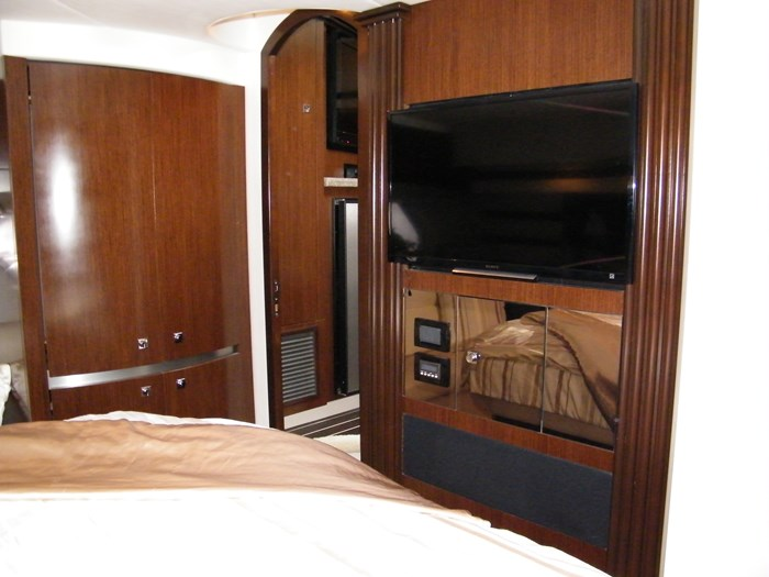 2012 Cruisers Yachts 540 Sport Coupe Photo 12 of 61