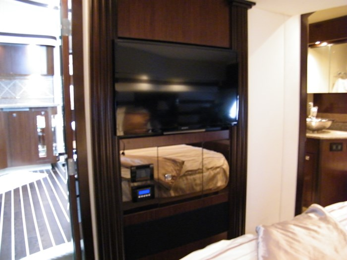 2012 Cruisers Yachts 540 Sport Coupe Photo 16 of 61