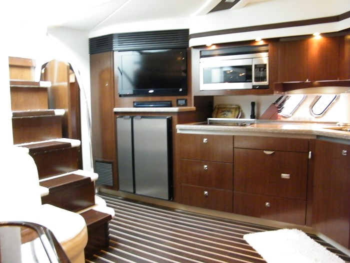 2012 Cruisers Yachts 540 Sport Coupe Photo 20 of 61