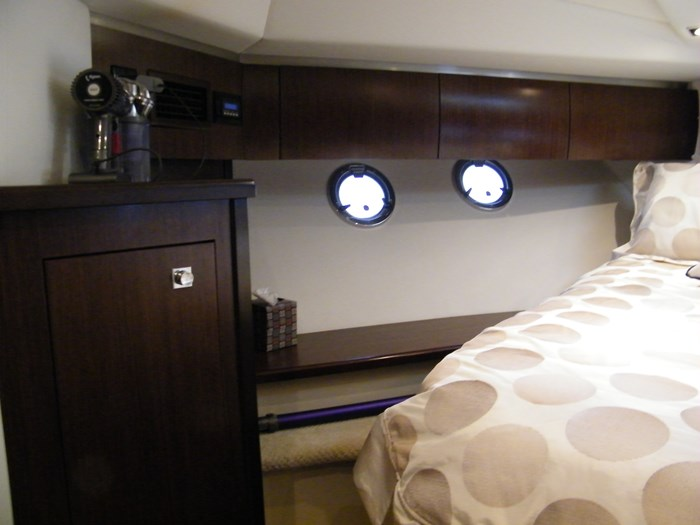 2012 Cruisers Yachts 540 Sport Coupe Photo 25 of 61