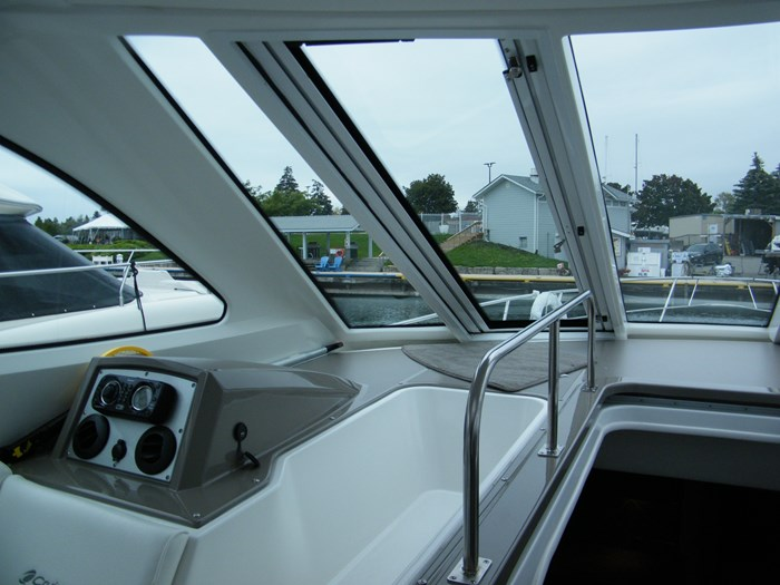 2012 Cruisers Yachts 540 Sport Coupe Photo 29 of 61