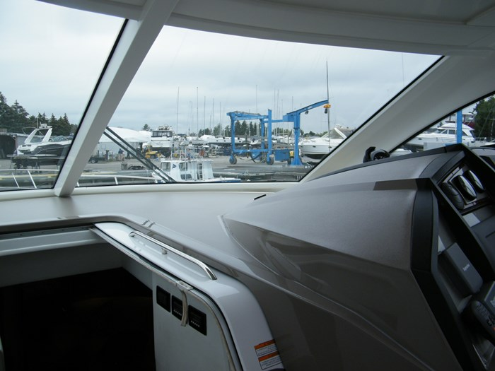 2012 Cruisers Yachts 540 Sport Coupe Photo 30 of 61