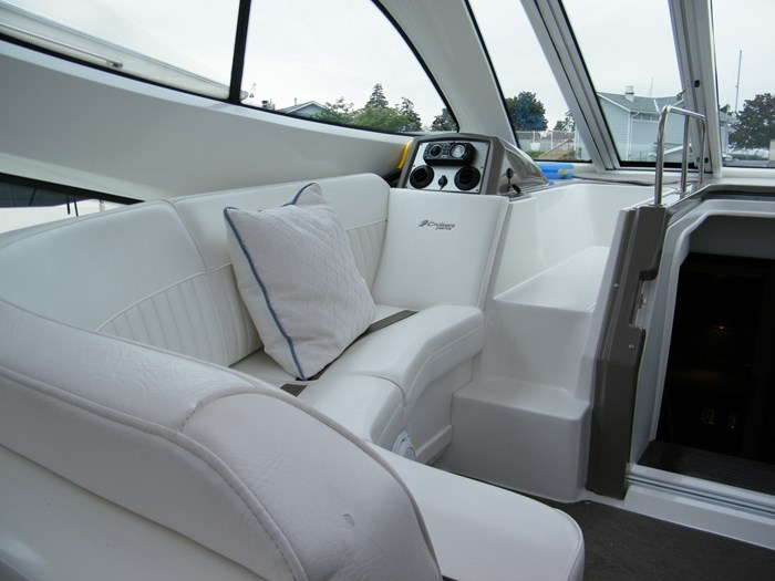 2012 Cruisers Yachts 540 Sport Coupe Photo 38 of 61