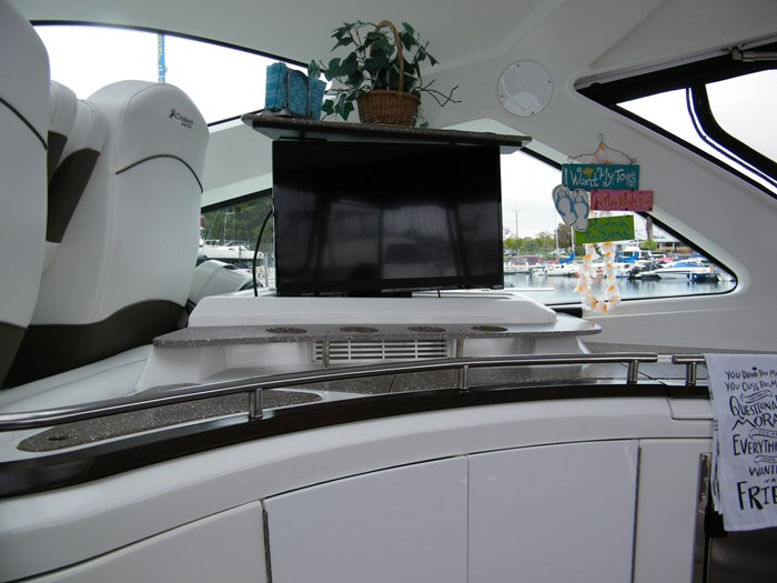 2012 Cruisers Yachts 540 Sport Coupe Photo 39 of 61