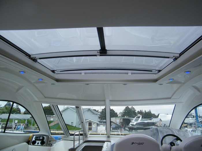 2012 Cruisers Yachts 540 Sport Coupe Photo 48 of 61