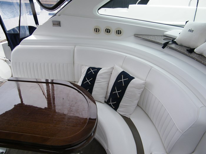2012 Cruisers Yachts 540 Sport Coupe Photo 50 of 61