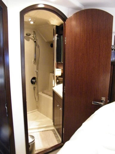 2012 Cruisers Yachts 540 Sport Coupe Photo 24 of 61